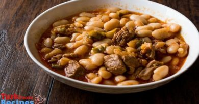 White bean stew with meat ( Etli Kuru Fasülye ) Recipe