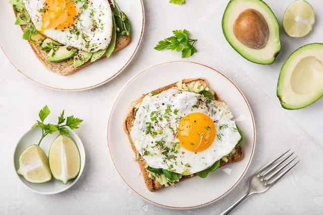 Avocado Egg Recipe. Turkish Breakfast Recipes.Delicious Egg Recipes. Practical  Egg Recipes for Breakfast. Turkish Breakfast.