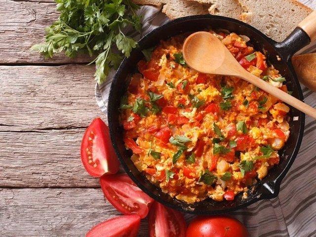 Turkish Menemen Recipe. 14 Delicious Egg Recipes. Practical  Egg Recipes for Breakfast. Turkish Breakfast.