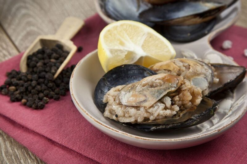 Stuffed Mussels Recipe. Most popular food in Turkey! Turkey's Most Popular Turkish recipes !