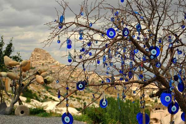Under That Tree ( O Ağacın Altı ), Cappadocia
